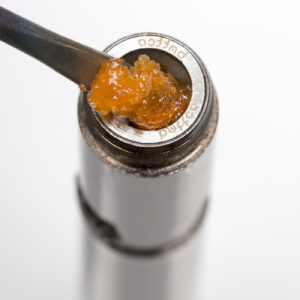 Loading chamber with live resin concentrate